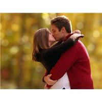 Tác dụng của những nụ hôn khi yêu